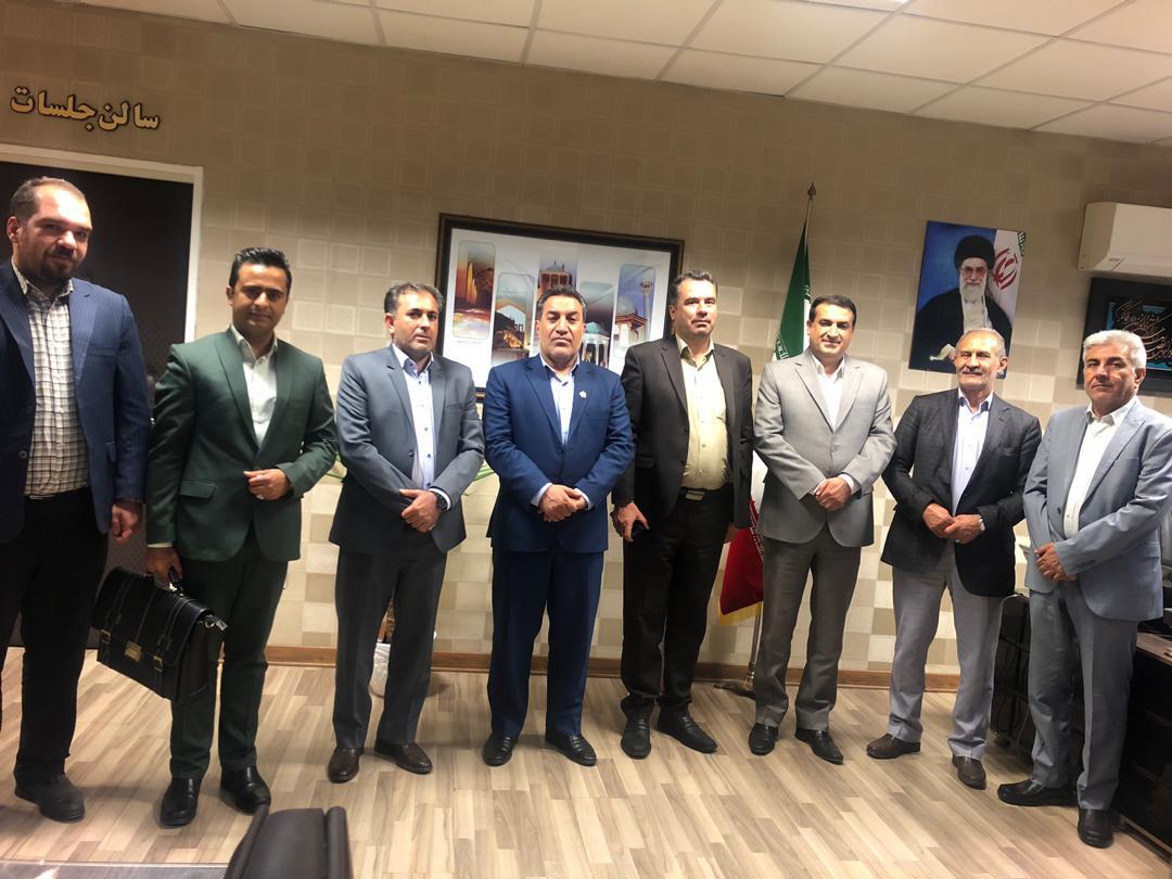 دکتر نجفی مدیر کل محترم آموزش و پرورش استان فارس