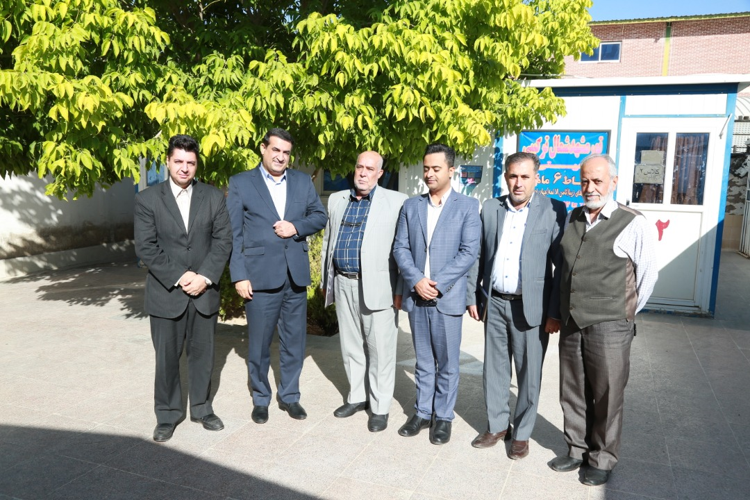 دیدار جناب آقای دکتر زاده باقری مدیر عامل محترم موسسه و هیات همراه از تشکیلات خانه کارگر شیراز