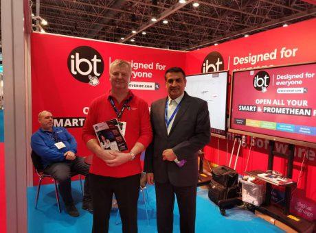 آی مت بازدید جناب آقای دکتر زاده باقری از نمایشگاه بین المللی تکنولوژی و محصولات آموزشی - دبی 2020